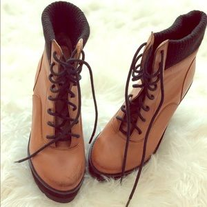 Deena & Ozzy Wedge Boot